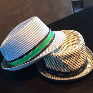 Accessories - Bundle of boys summer hats! 2-4